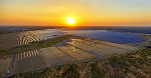 Minas Gerais inaugura usina de energia solar que gera cerca de 480 mil kWh/ano