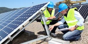 Agência Nacional de Energia Elétrica inaugura usina fotovoltaica no prédio da sua sede